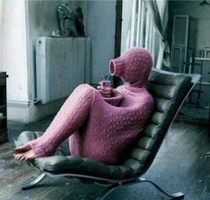 introvert_roommate_03