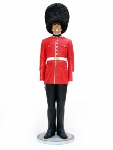 british_queens_guard_prop_01