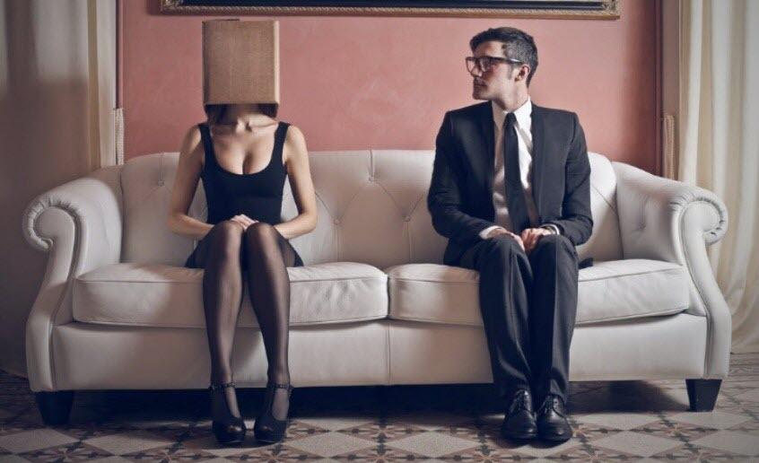 nervous_couple_01